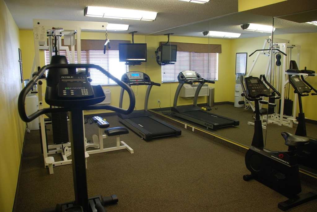 Best Western Baraboo Inn - Our fitness center allows you to keep up with your home routine...even when you're not at home!