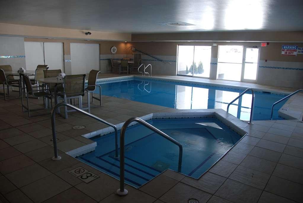 Best Western Baraboo Inn - Vue de la piscine