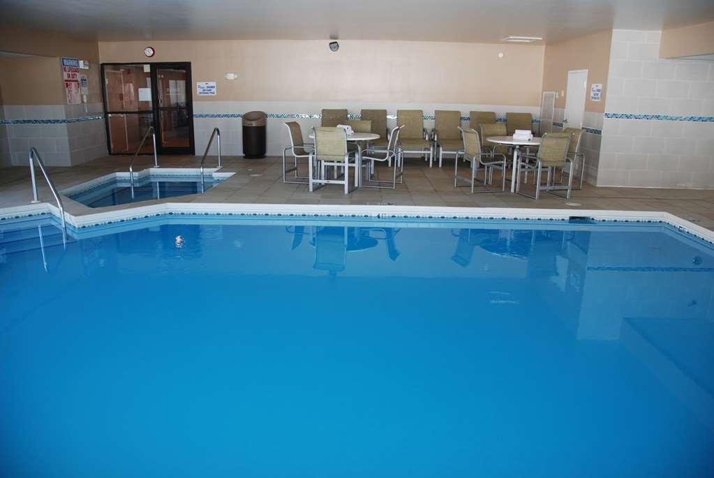 Best Western Baraboo Inn - Piscina