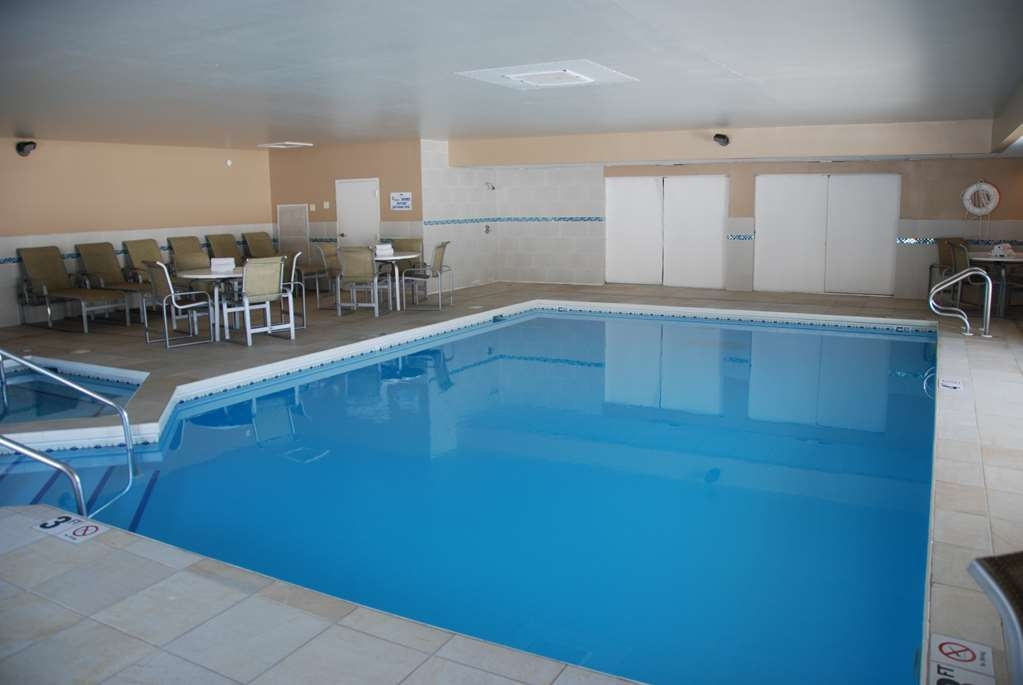 Best Western Baraboo Inn - Our indoor pool is the perfect place to rejuvenate after a day of exploring Baraboo.