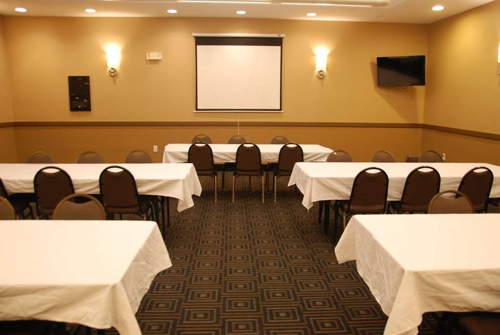 Best Western Baraboo Inn - Let us accommodate your next corporate function or company party.