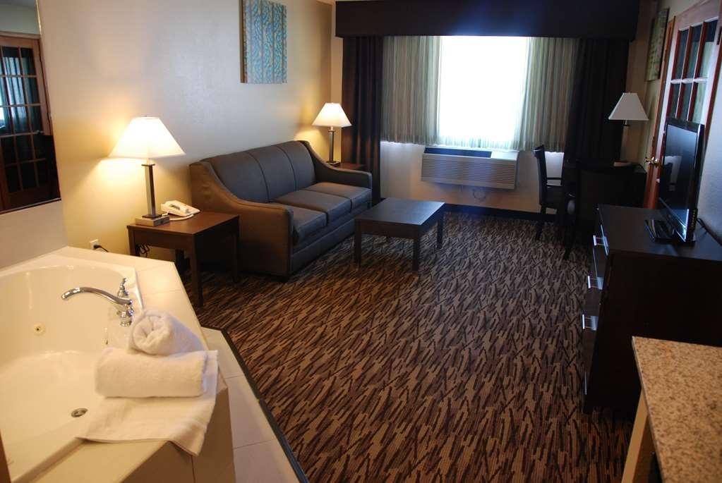 Best Western Baraboo Inn - Suite King Room