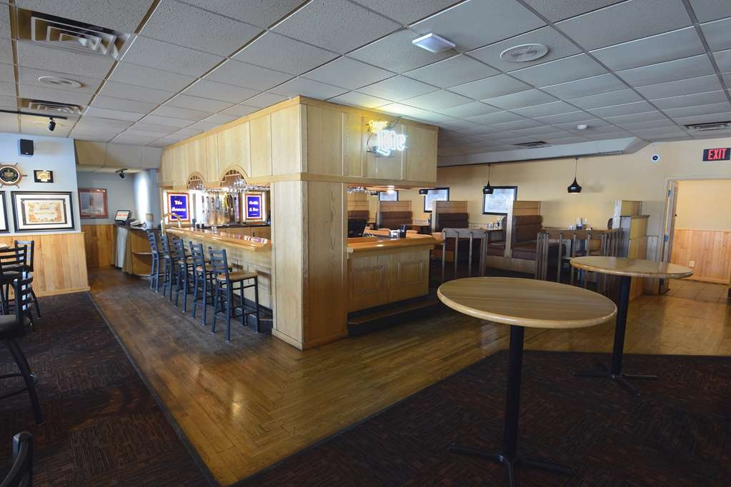 Best Western Riverfront Inn - Bar und Grill