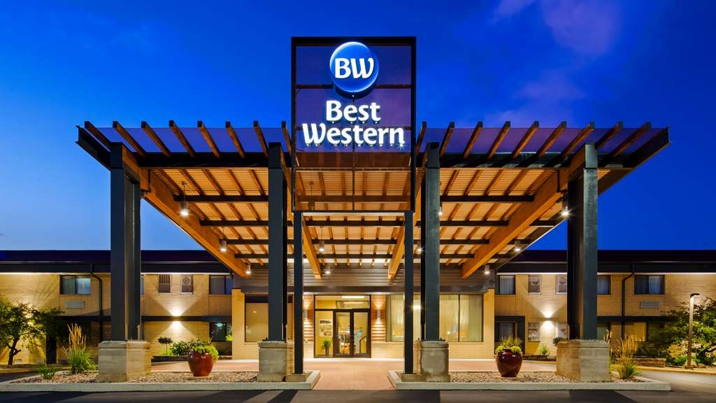 Best Western West Towne Suites - Façade