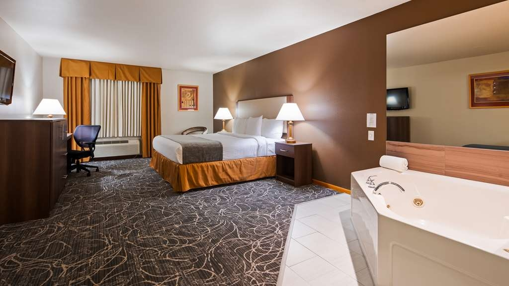 Best Western West Towne Suites - Suite