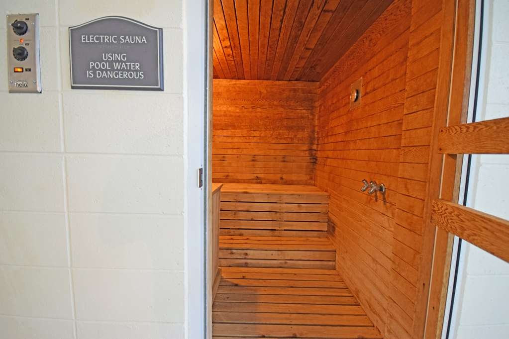 Best Western Resort Hotel & Conference Center - Dry Sauna to help get rid of the aches and pains of the day.