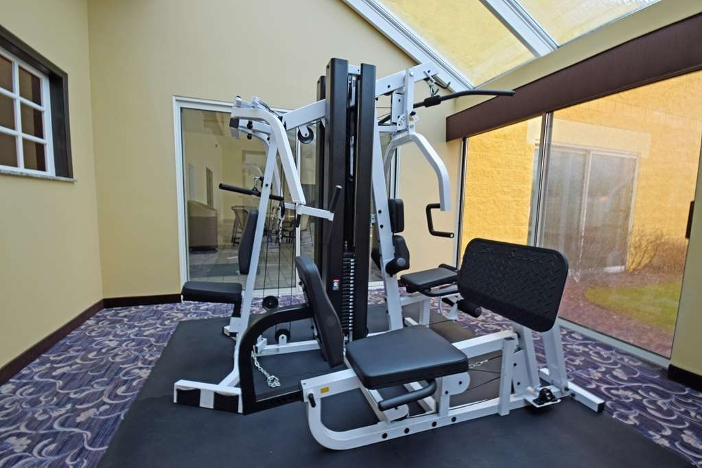 Best Western Resort Hotel & Conference Center - Our fitness center allows you to keep up with your home routine… even when you're not at home.
