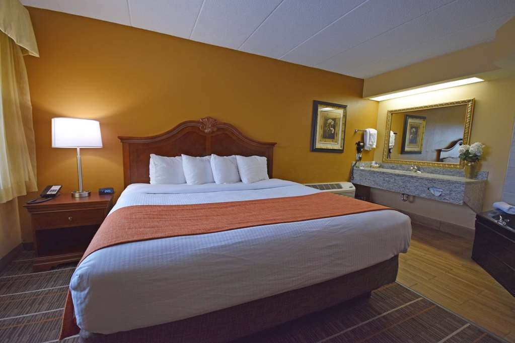 Best Western Resort Hotel & Conference Center - Two Room Suite with Private Jacuzzi®