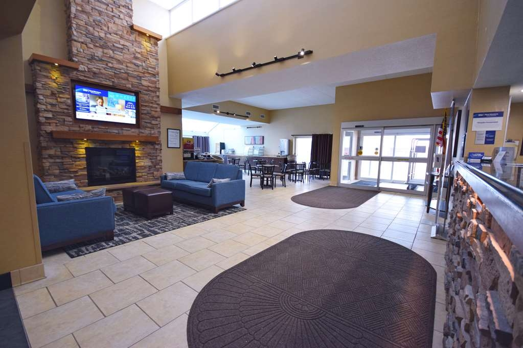 Best Western Resort Hotel & Conference Center - Come and enjoy our cozy lobby, offering a place to socialize with other guests or members of your party.
