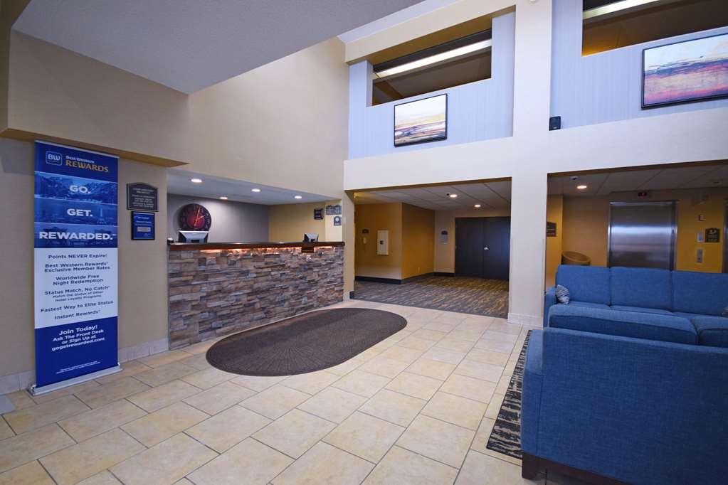Best Western Resort Hotel & Conference Center - Vista del vestíbulo