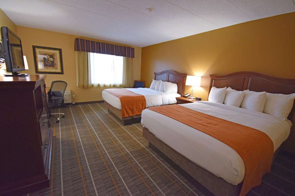 Best Western Resort Hotel & Conference Center - Bring your whole family along and book a two queen standard guest room.