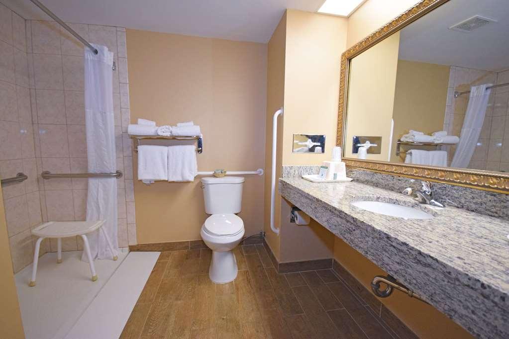 Best Western Resort Hotel & Conference Center - Accessible Bathroom