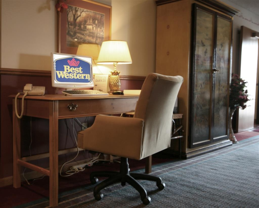 Best Western Dodgeville Inn & Suites - Business center