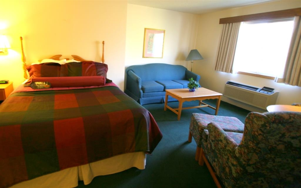 Best Western Dodgeville Inn & Suites - Queen Suite