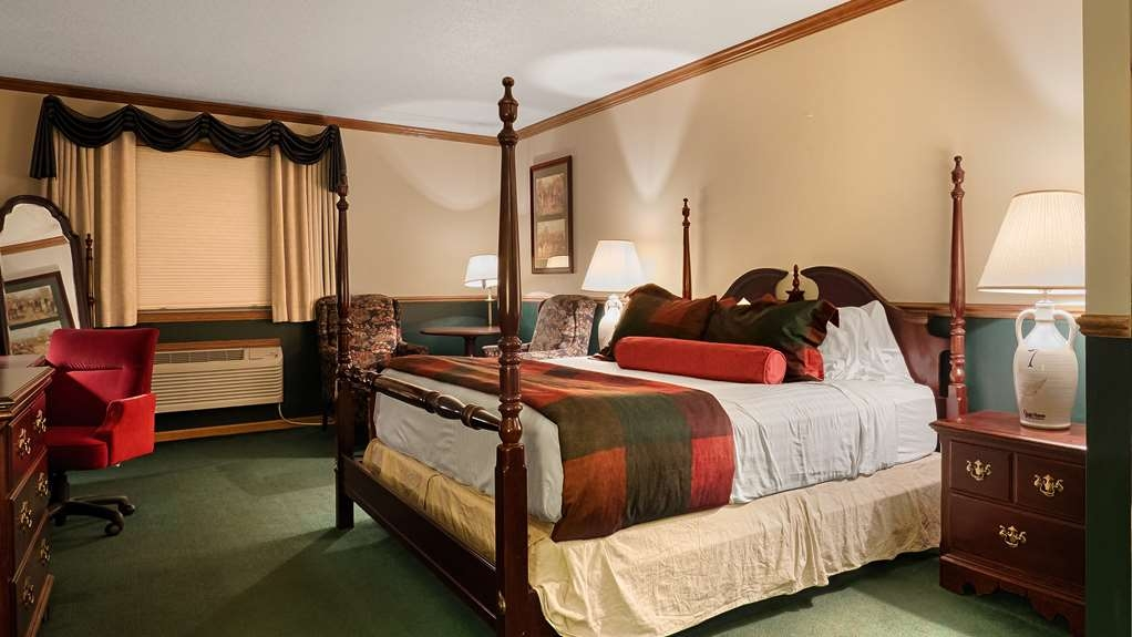Best Western Dodgeville Inn & Suites - King Guest Room