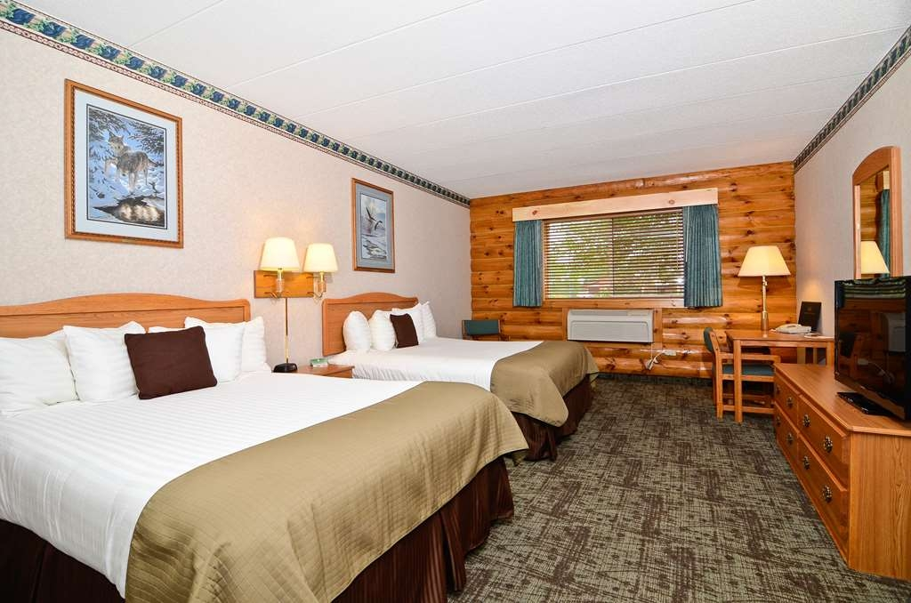 Best Western Northwoods Lodge - Two Queen Bed Guest Room
