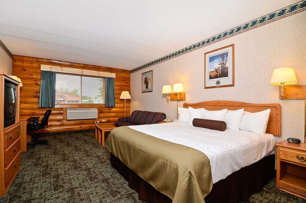 Best Western Northwoods Lodge - King Bed Guest Room