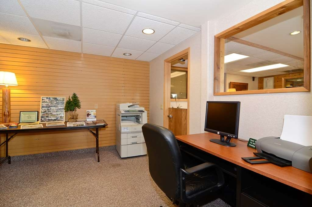 Best Western Northwoods Lodge - Business Center
