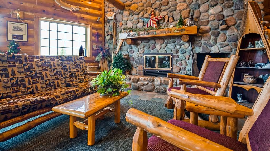 Best Western Northwoods Lodge - Lobby view