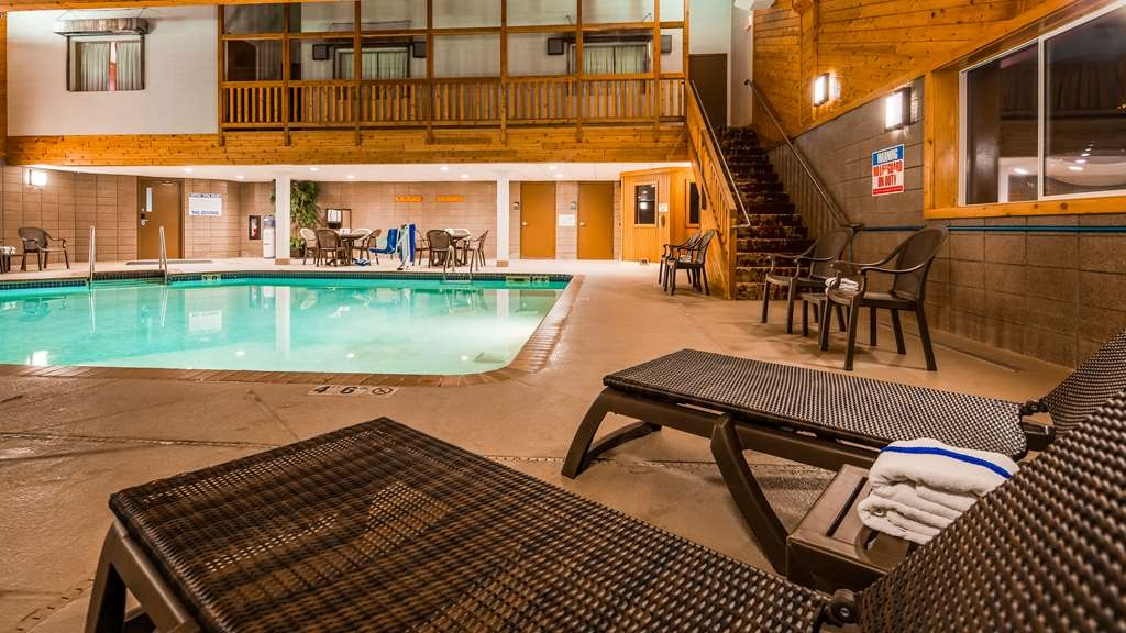Best Western Northwoods Lodge - Indoor Swimming Pool and Hot Tub