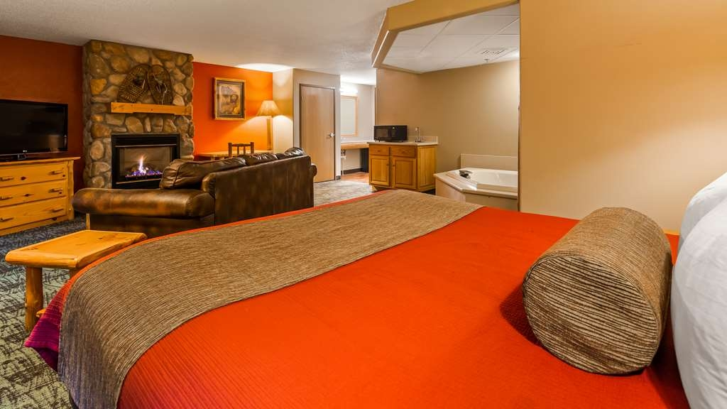 Best Western Northwoods Lodge - Suite