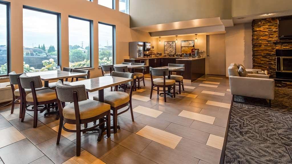 Best Western Park Oasis Inn - Breakfast Area