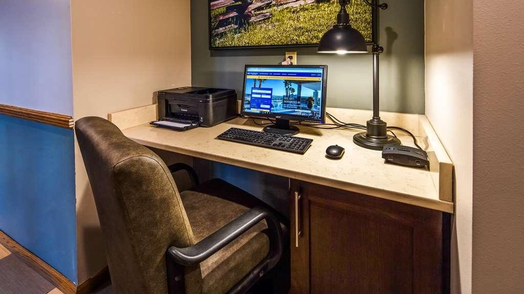 Best Western Park Oasis Inn - Business Center