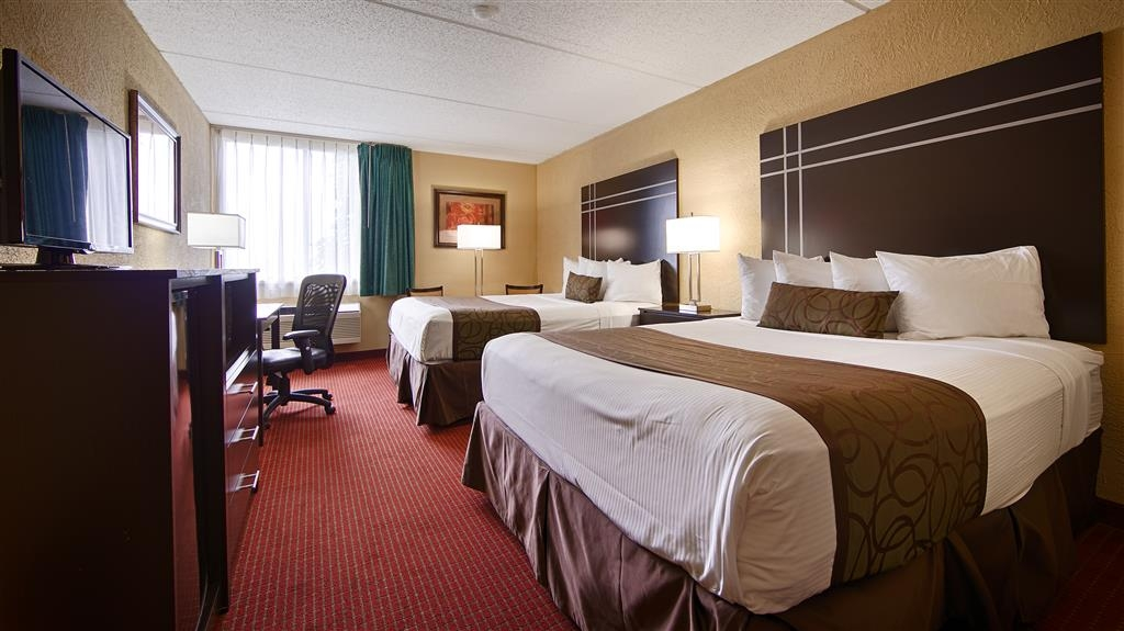 Best Western Waukesha Grand - Bring your whole family along and book a two queen standard guest room.