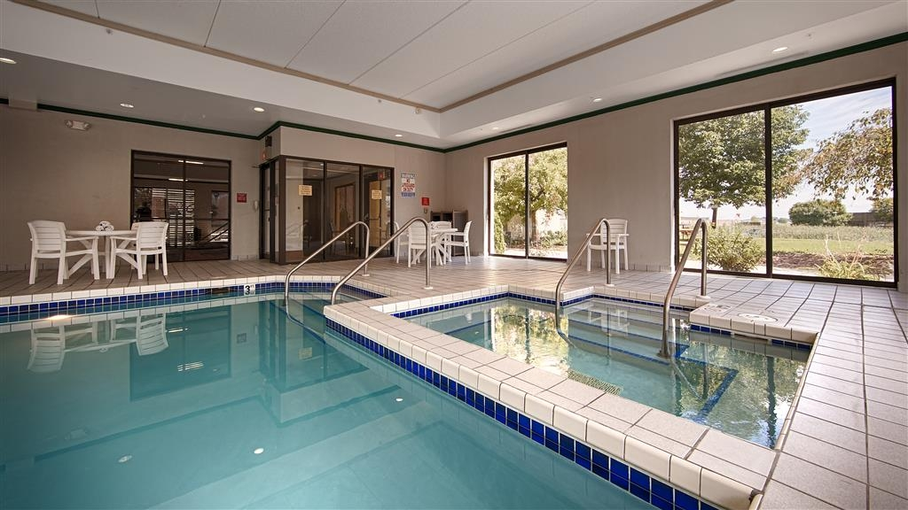 Best Western Waukesha Grand - Don't let the weather stop you from jumping in, our indoor pool is heated year-round for you and your friends.