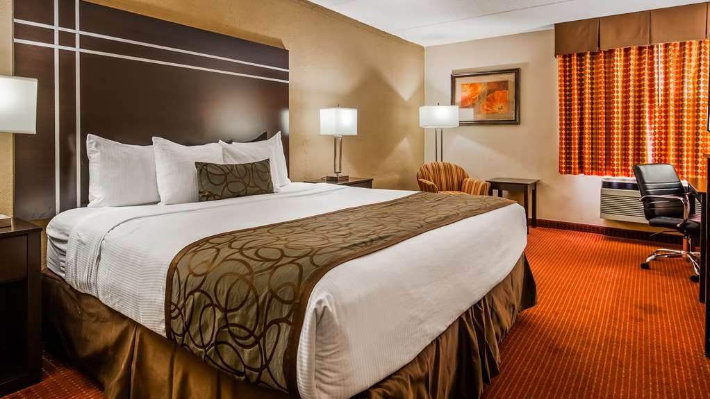 Best Western Waukesha Grand - Guest Room
