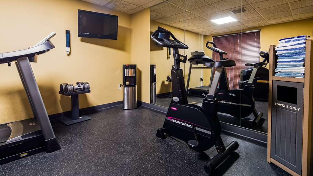 Best Western Waukesha Grand - Our fitness center allows you to keep up with your home routine... Even when you're not at home!