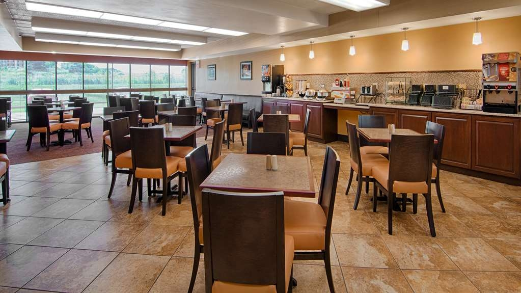 Best Western Executive Inn - Start your day out right with our piping hot breakfast buffet.