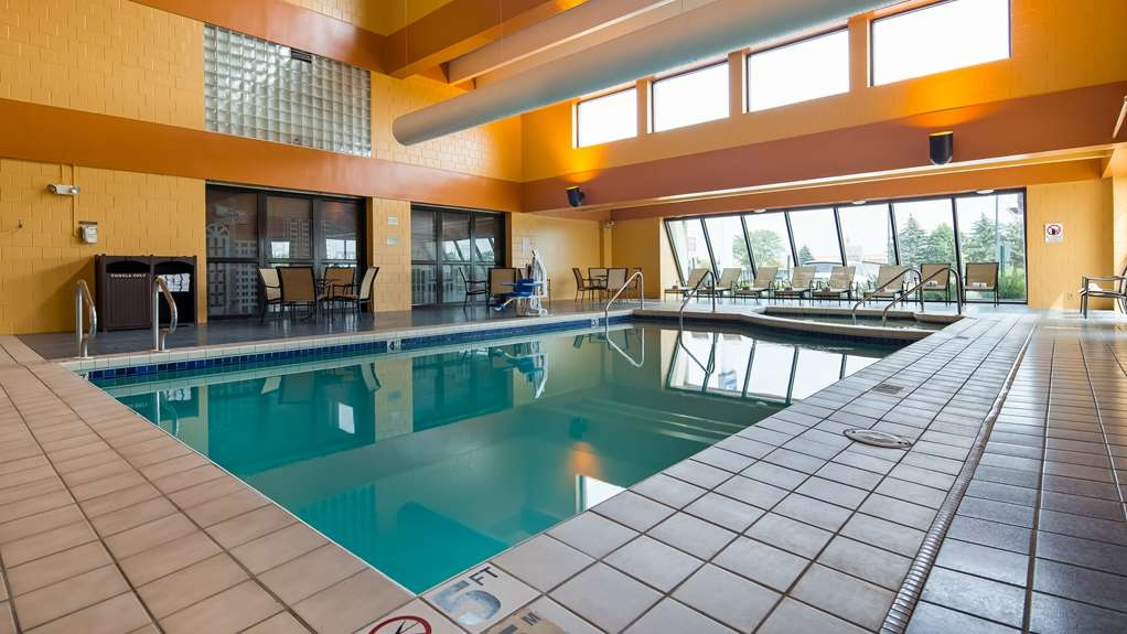 Best Western Executive Inn - The indoor pool is perfect for taking a quick dip or swimming laps.