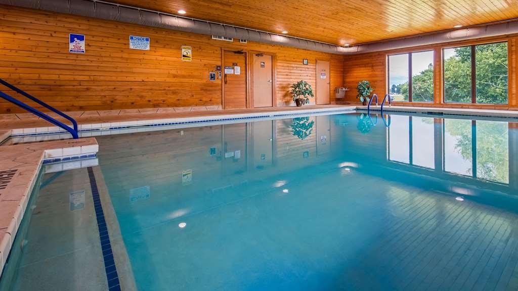 Best Western Spooner Riverplace - Vista de la piscina