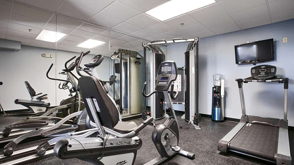 Best Western Plus Eau Claire Conference Center - Our fitness center allows you to keep up with your home routine, even when you're not at home.