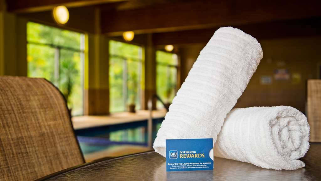 Best Western Plus Eau Claire Conference Center - Relax poolside knowing you can Go. Get. Rewarded. when you stay with us.