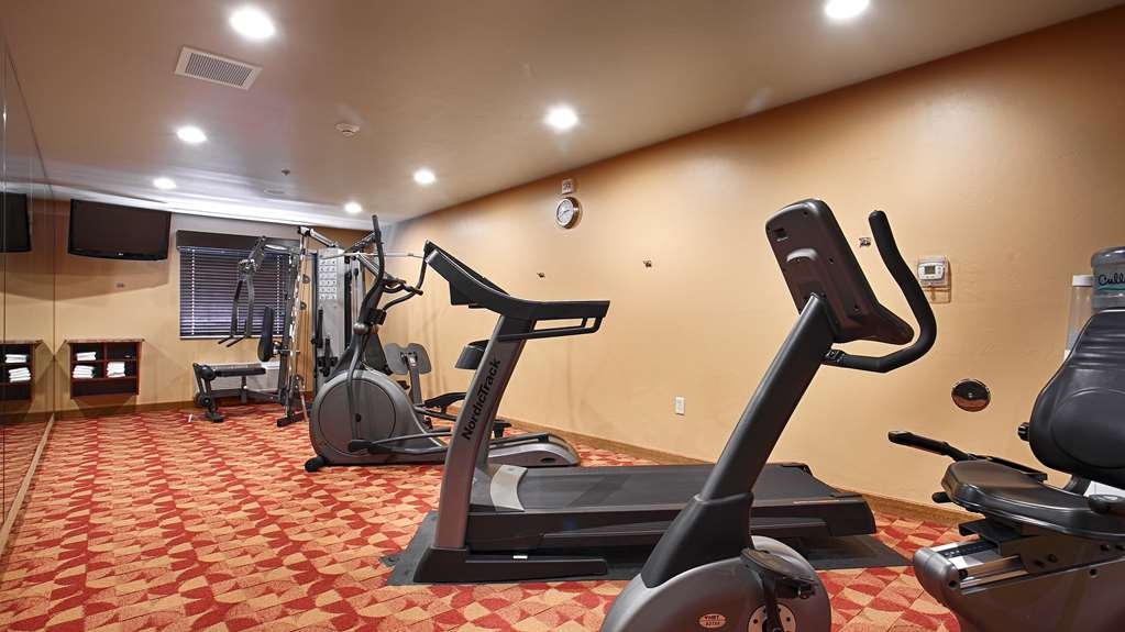 Best Western Crandon Inn & Suites - Our fitness center allows you to keep up with your home routine even when you are not at home.