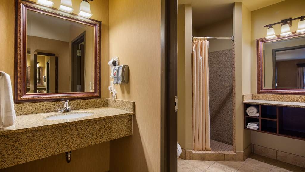Best Western Crandon Inn & Suites - Suite