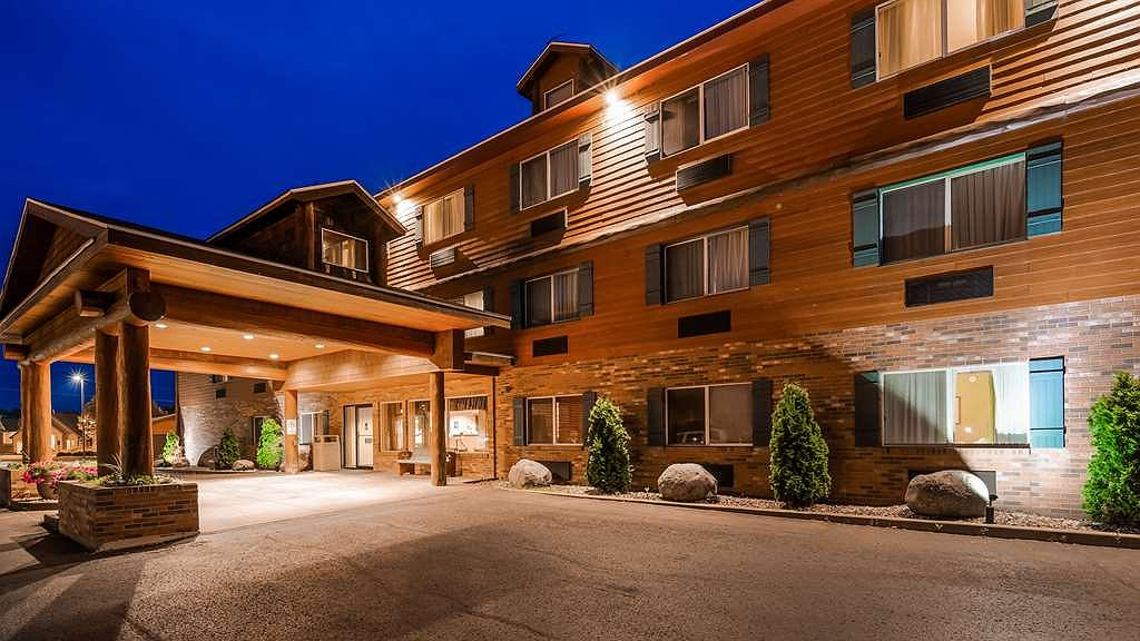 Best Western Plus Concord Inn - Your Lake Minocqua vacation starts here at our beautiful hotel!