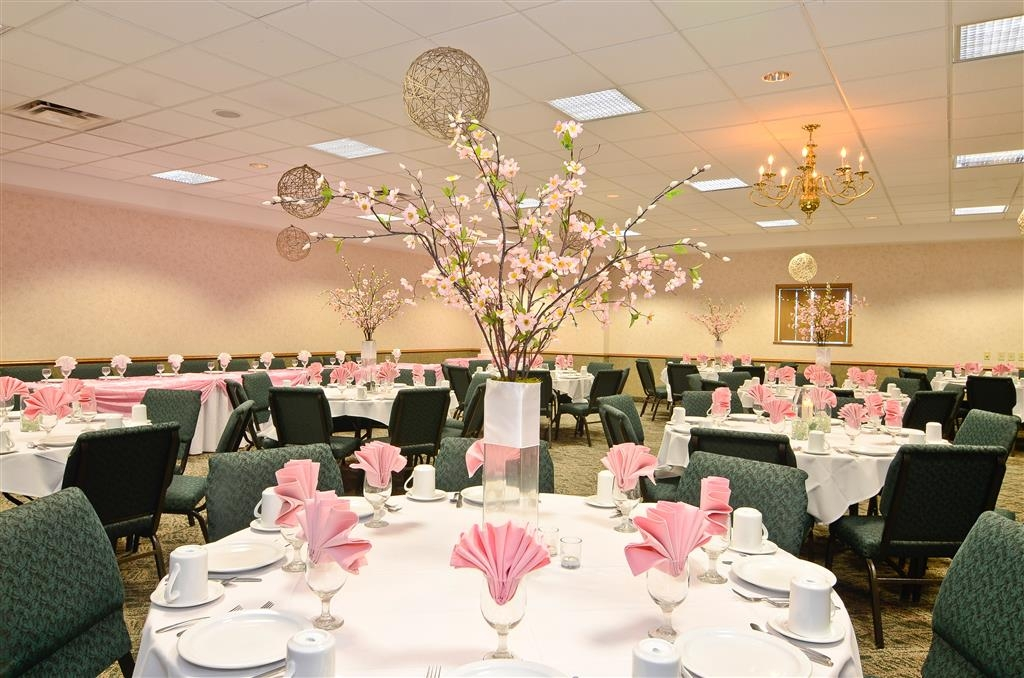 Best Western Wittenberg Inn - Special events, whether big or small we can accomodate from 25 to 300 guests.