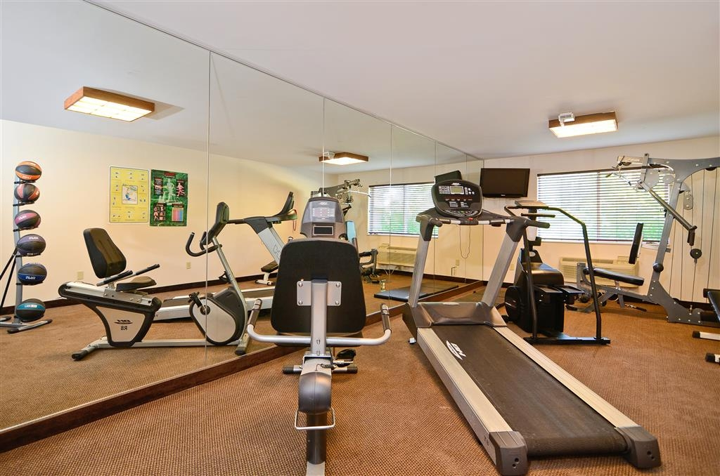 Best Western Wittenberg Inn - Maintain your fitness routine during your stay with us in our fitness center.