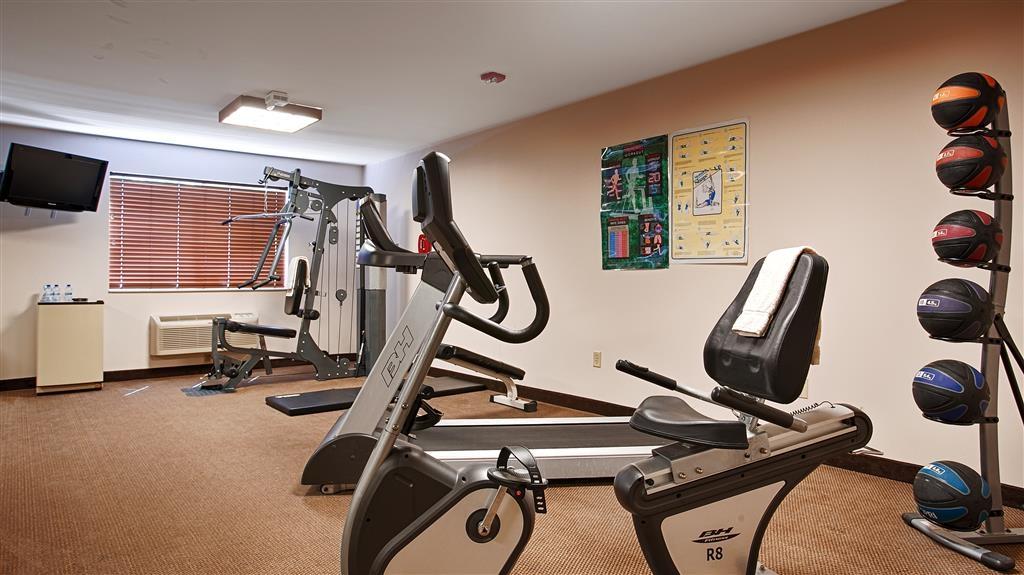 Best Western Wittenberg Inn - In unserem voll ausgestatteten Fitnessstudio können Sie Ihr Trainingsprogramm auch auf Reisen aufrechterhalten.