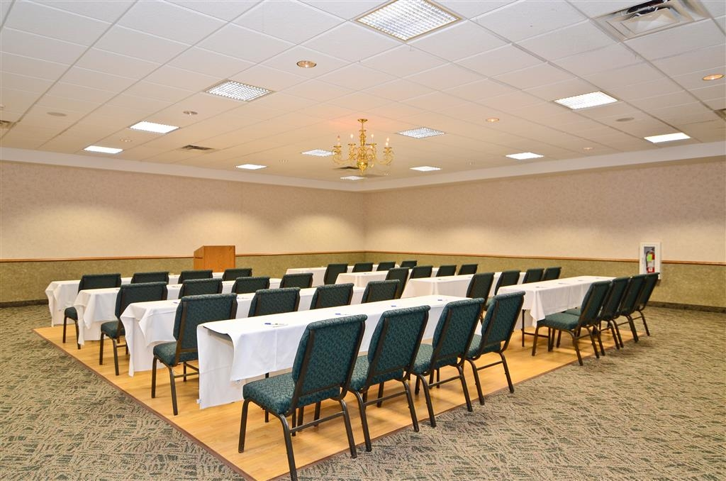 Best Western Wittenberg Inn - Our meeting room can accomodate up to 75 people for small business meetings and events.