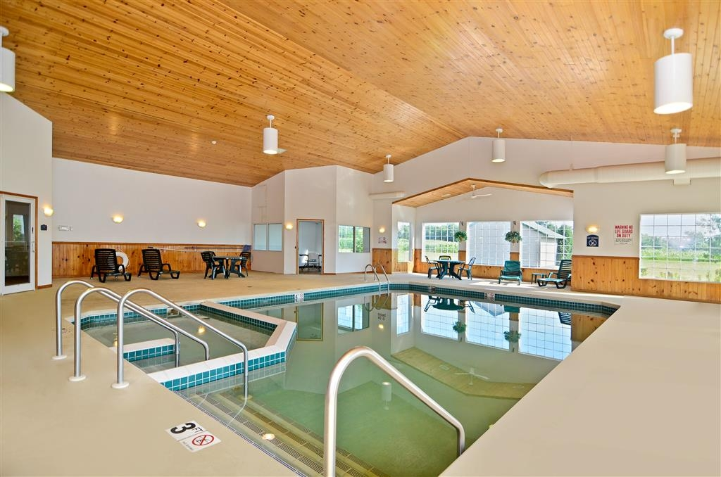 Best Western Wittenberg Inn - Swimmingpool