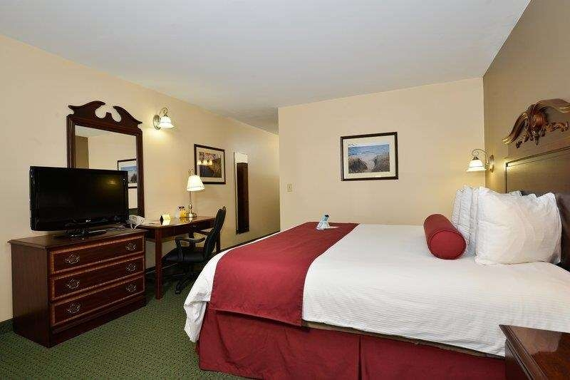 Best Western The Hotel Chequamegon - Queen Room