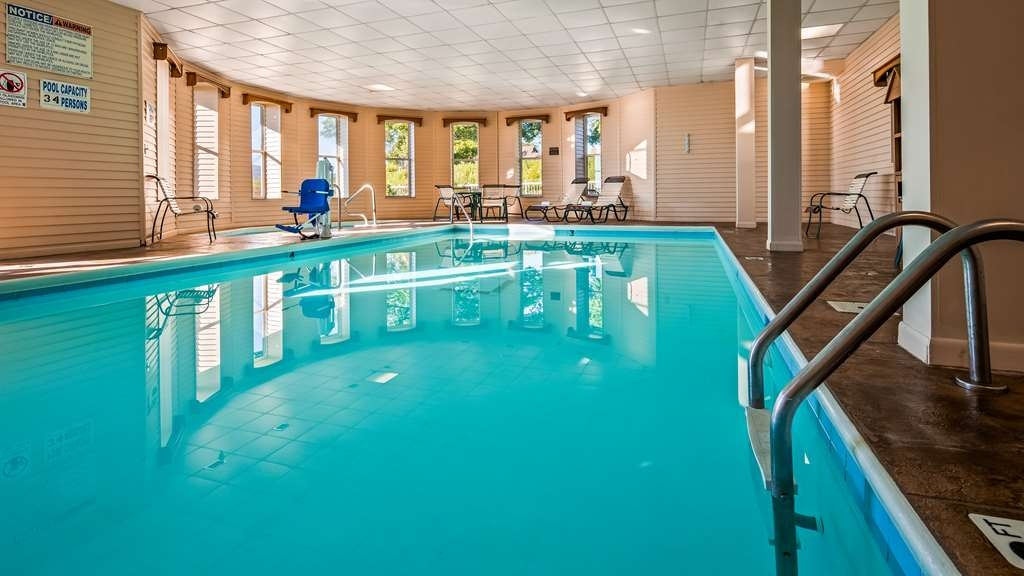 Best Western The Hotel Chequamegon - Vue de la piscine