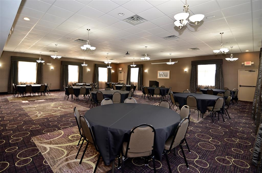Best Western Plover-Stevens Point Hotel & Conference Ctr - We can accommodate several different types of conference room setups, including: classroom, theater, and banquet.