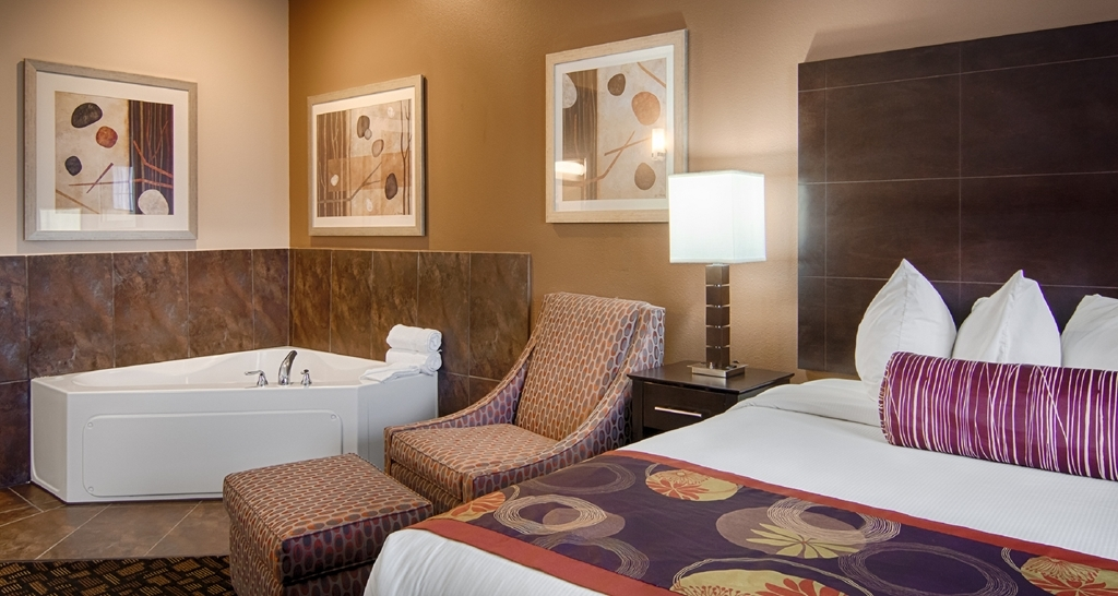 Best Western Plover-Stevens Point Hotel & Conference Ctr - Guest Room
