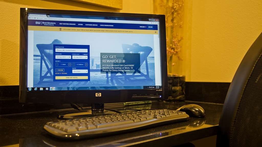 Best Western Plover-Stevens Point Hotel & Conference Ctr - Stay productive during your time away in our business center.
