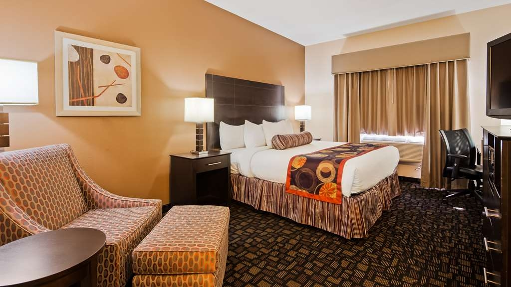 Best Western Plover-Stevens Point Hotel & Conference Ctr - Our guest room with one king size bed is your home away from home.